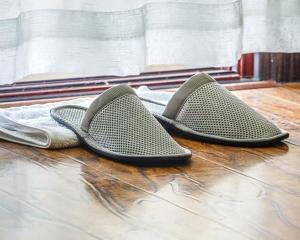灰色薄款环保拖鞋