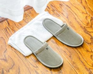 灰色加棉环保拖鞋